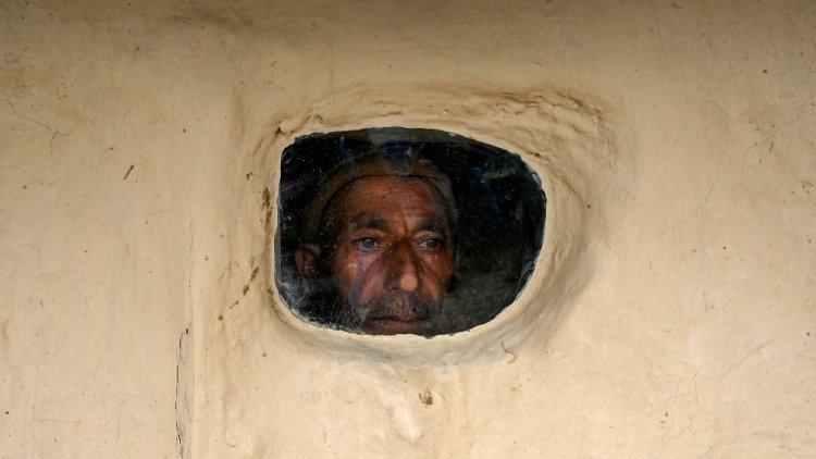 ਕਸ਼ਮੀਰ ਦੇ ਪਿੰਜਰੇ ਵਿਚ ਬੰਦ ਲੋਕ ,ਜਮਹੂਰੀਅਤਅਤੇ ਮੀਡੀਆ